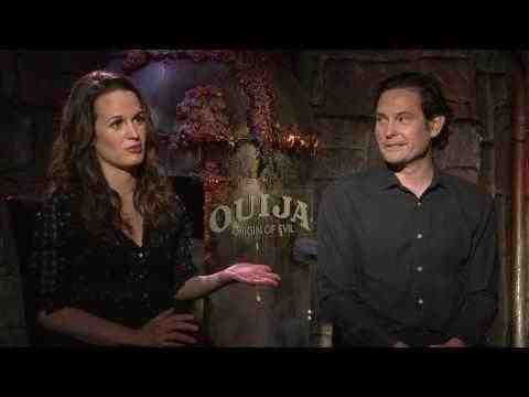 Ouija: Origin of Evil - Henry Thomas & Elizabeth Reaser Interview