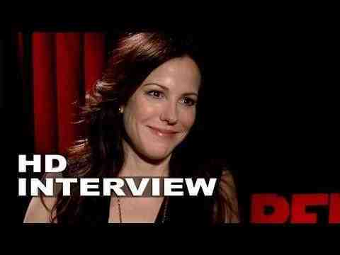 Red 2 - Mary-Louise Parker Interview